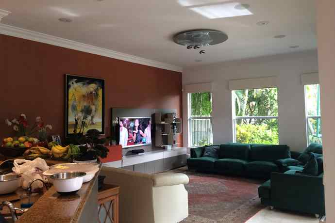 miami-transitional-familyroom_before-1