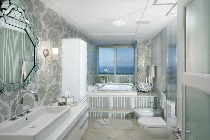 plush-penthouse-masterbathroom-after-1