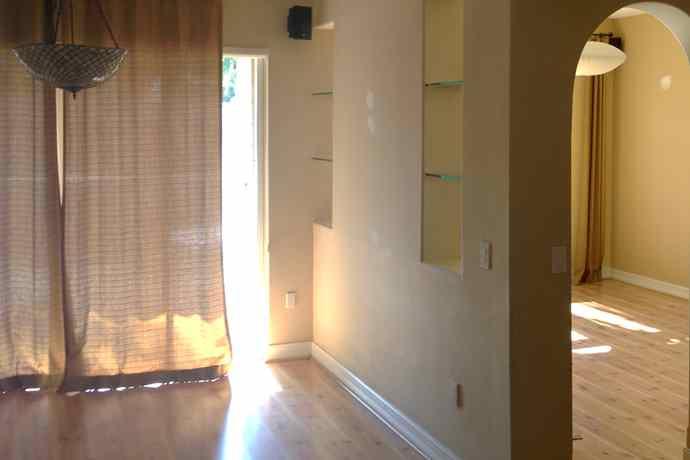 1-moody-livingroom_before-1