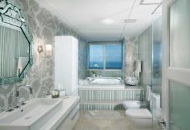 A Plush Penthouse 7