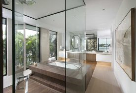 Dkorinteriors Contemporarywatefrontelegance Masterbathroom2