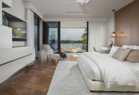 Waterfront Contemporary Elegance 10