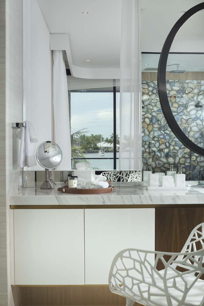 Residential Interior Design: Contemporary Waterfront Elegance