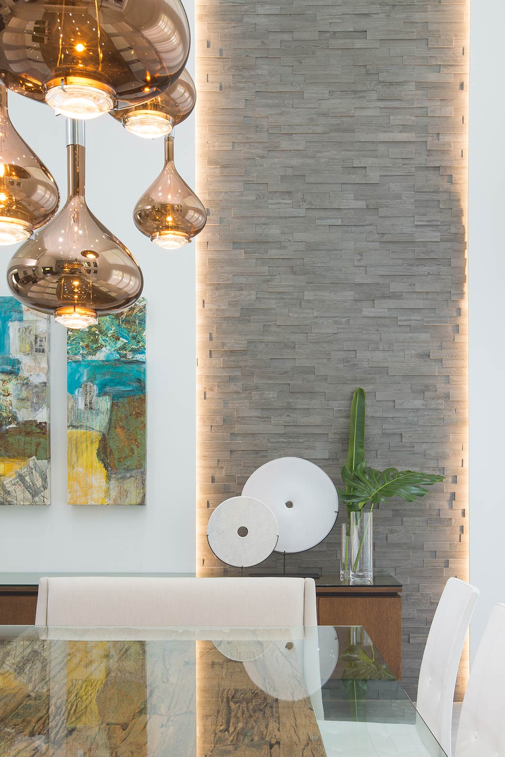Benefits of Incorporating Art in Your Home Interiors