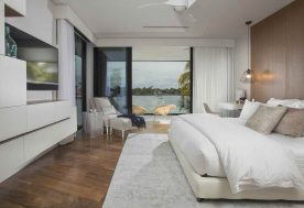 1 ContemporaryWaterfrontElegance Bedroom 1
