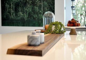How Artwork Enhances Modern Interior Designs 3