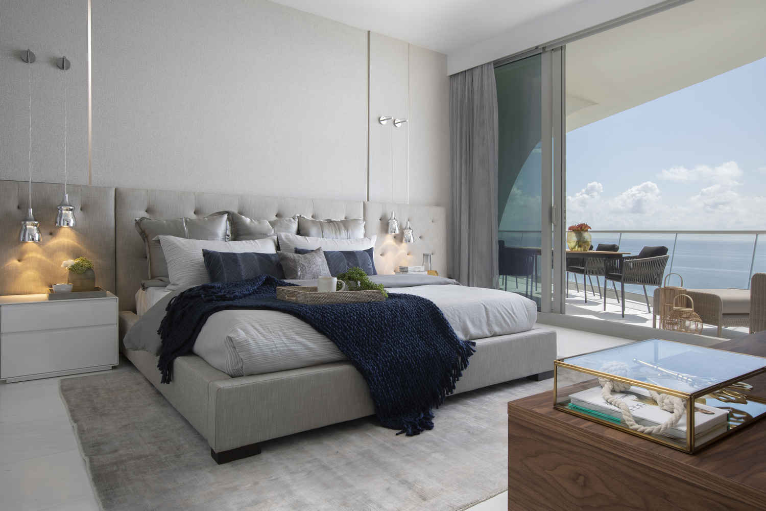 Bonny Beach Bedroom Decorating Ideas